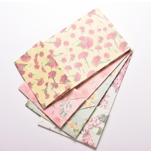 Floral Print Kraft Paper Small Gift Bags Sandwich Bread Food Bags Party Wedding Favour Free Shipping 23cm x13cm