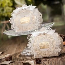 Romantic Lace Wedding Gift and favors Box Elegant White Luxury Decoration Laser Cut Party Sweet Guest Paper Candy Bag