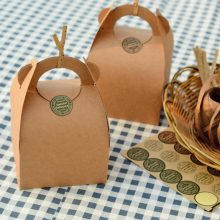 Kraft  Paper Box With Handle Boxes for Cake Food Gift Packaging Wedding Favours