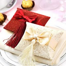 Free Shipping Paper Pillow Box Red and Cream Box Wedding Favor Candy Boxes Gift Packaging 12pcs