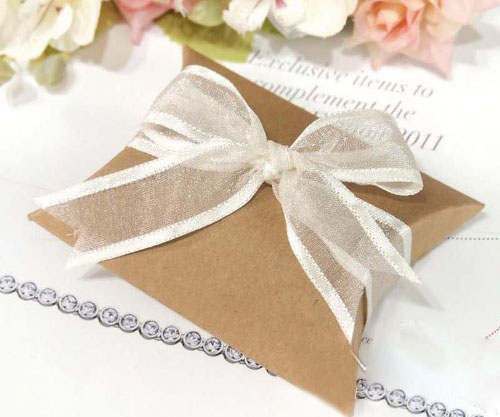 Kraft pillow wedding favour boxes gift for guests wedding favors and kraft pillow wedding favour boxes gift for guests wedding favors and gifts boxes for party favors junglespirit Image collections