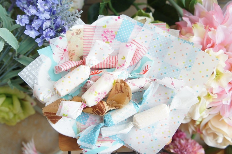 100 Pieces Mix style wax paper Favour  Gift Chocolate Taffy Wrapping For Christmas wedding Sweet Party Gift Decoration